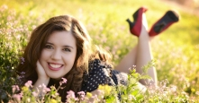vintage-senior-pictures-field-3
